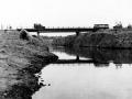 мост через канал (где?)